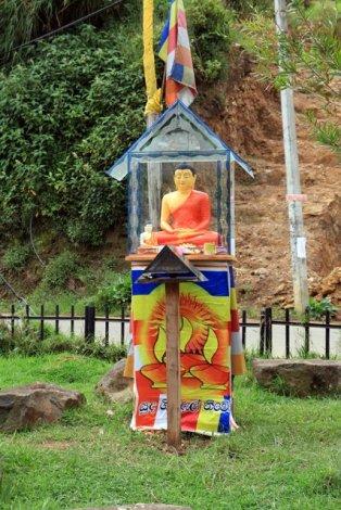 Bouddha à Nuwara Elyia - l'autre ailleurs au Sri-Lanka, une autre idée du voyage