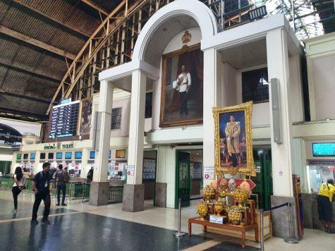 dans le hall de gare de Bangkok - l'autre ailleurs au Myanmar (Birmanie) et Thaïlande, une autre idée du voyage