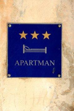 """Un peut sur le style de Airbnb mais encadré par le gouvernement les """"appartements"""" ou logement chez l'habitant - l'autre ailleurs en Croatie, une autre idée du voyage"""