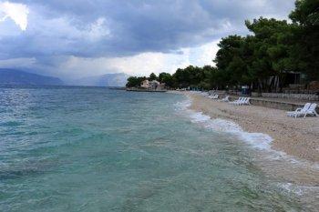 plage désertée à Supetar sur l'île de Brač - l'autre ailleurs en Croatie, une autre idée du voyage
