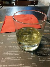 la grappa (digestif) - dernier dîner à Dubrovnik, restaurant Spaghetteria Toni - l'autre ailleurs en Croatie, une autre idée du voyage