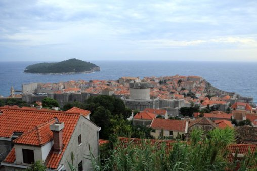 la vieille ville de Dubrovnik vue dans haut - l'autre ailleurs en Croatie, une autre idée du voyage
