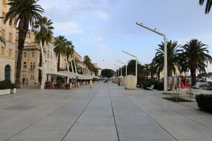 promenade le long du port à Split - l'autre ailleurs en Croatie, une autre idée du voyage