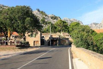 en allant vers le parc national de Paklenica - l'autre ailleurs en Croatie, une autre idée du voyage