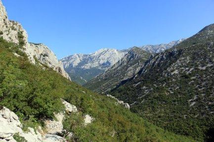 l'eau ici est rare, il faut savoir profiter d'une trop rare source dans le parc national de Paklenica - l'autre ailleurs en Croatie, une autre idée du voyage