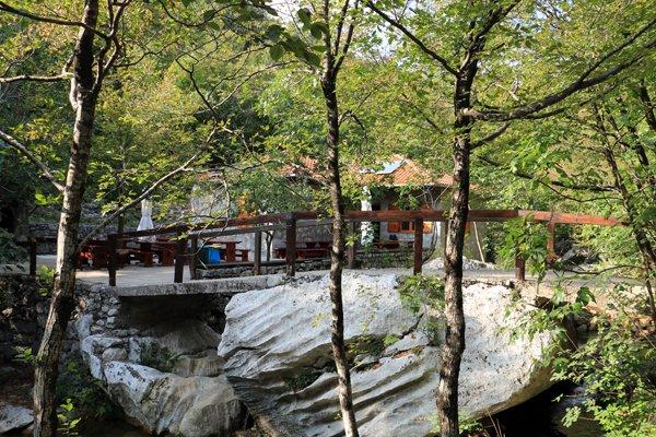 chalet de montagne dans le parc national de Paklenica - l'autre ailleurs en Croatie, une autre idée du voyage