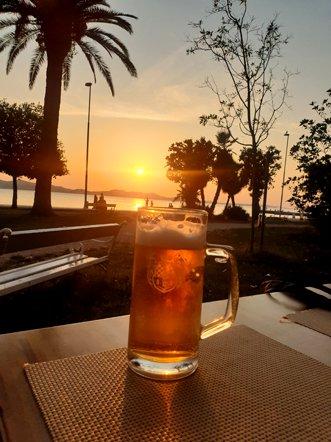 une petite bière au coucher de soleil à Zadar - l'autre ailleurs en Croatie, une autre idée du voyage