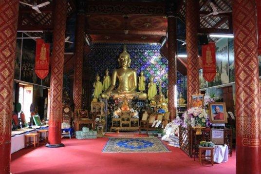 un temple à Chiang Mai - l'autre ailleurs au Myanmar (Birmanie) et Thaïlande, une autre idée du voyage