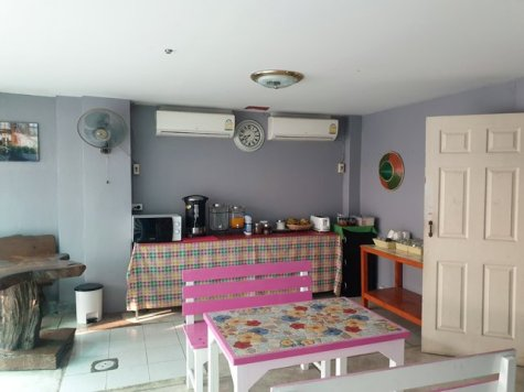 salle du petit déjeuner au Born Guest House à Chiang Mai - l'autre ailleurs au Myanmar (Birmanie) et Thaïlande, une autre idée du voyage