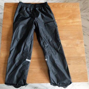 pantalon de pluie - l'autre ailleurs en Vélo, une autre idée du voyage (www.autre-ailleurs.fr)
