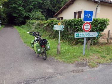 quittant Bazas (33) - l'autre ailleurs en Vélo, une autre idée du voyage (www.autre-ailleurs.fr)