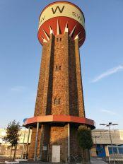 un joli château d'eau à Saint-Gilles-Croix-de-Vie (85) - l'autre ailleurs en Vélo, une autre idée du voyage (www.autre-ailleurs.fr)