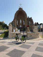 sacrément croyants les gens de St Gervais (85) - l'autre ailleurs en Vélo, une autre idée du voyage (www.autre-ailleurs.fr)