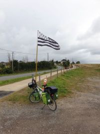 pas de doute, je suis bien en Bretagne, ici à Assérac (44) - l'autre ailleurs en Vélo, une autre idée du voyage (www.autre-ailleurs.fr)
