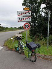 quittant Vannes (56) - l'autre ailleurs en Vélo, une autre idée du voyage (www.autre-ailleurs.fr)