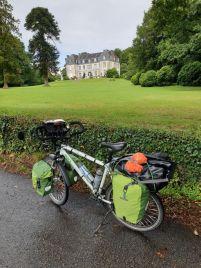 quittant Auray (56), un joli château à Hennebont (56) - l'autre ailleurs en Vélo, une autre idée du voyage (www.autre-ailleurs.fr)