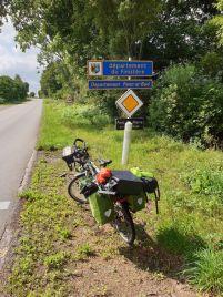 ici se finit la terre : Finistère - l'autre ailleurs en Vélo, une autre idée du voyage (www.autre-ailleurs.fr)