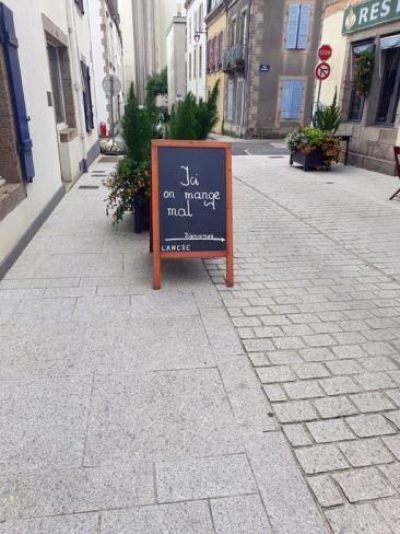 mince alors, si ici on mange mal :) , Concarneau (29) - l'autre ailleurs en Vélo, une autre idée du voyage (www.autre-ailleurs.fr)
