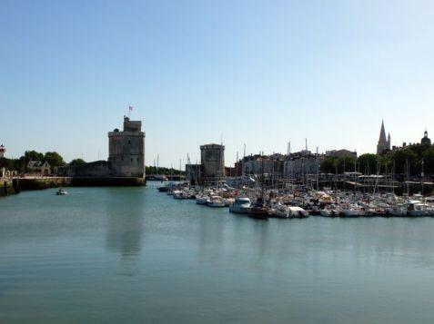 le port de La Rochelle (17) - l'autre ailleurs en Vélo, une autre idée du voyage (www.autre-ailleurs.fr)