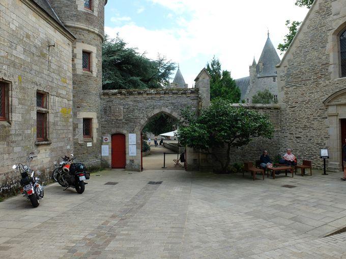 Josselin (56) - l'autre ailleurs en Vélo, une autre idée du voyage (www.autre-ailleurs.fr)