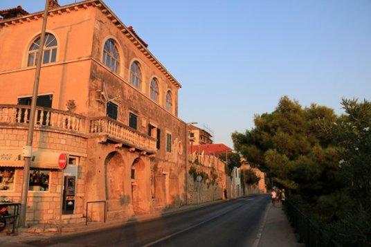 le généreux soleil couchant de Dubrovnik - l'autre ailleurs en Croatie, une autre idée du voyage