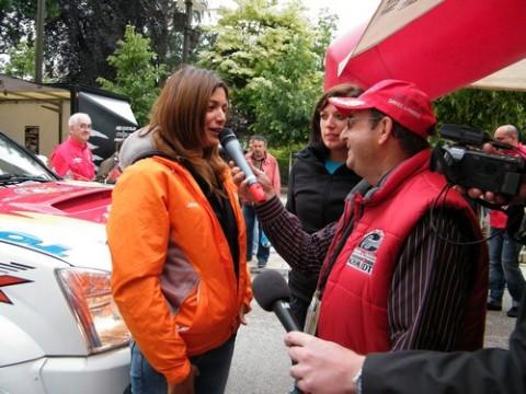 Jade Handi et Marion Andrieu, le Speaker et au fond Alain Cournil
