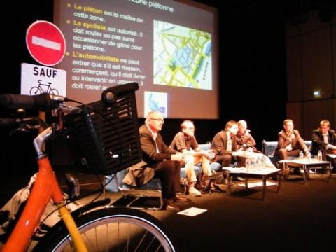 Elus et responsables technique présentent le plan vélo