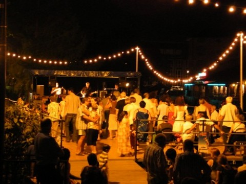 Orchestre et danse sur les berges de la Jordanne