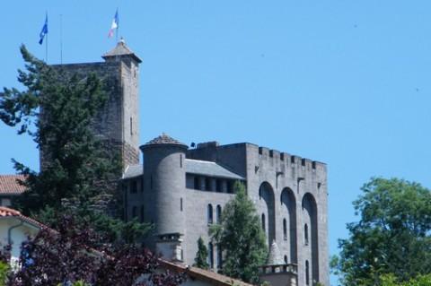 Animation et départ Château de St Etienne à Aurillac