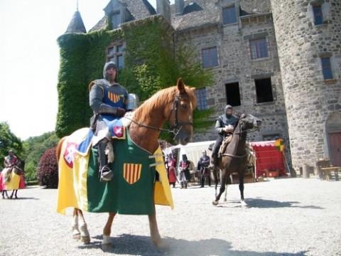 Château de pesteils à Polminhac, Cantal, les médiévales