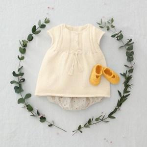 Modèle robe écru layette Détente