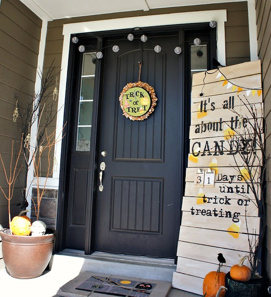 Halloween Front Door Decor Ideas
