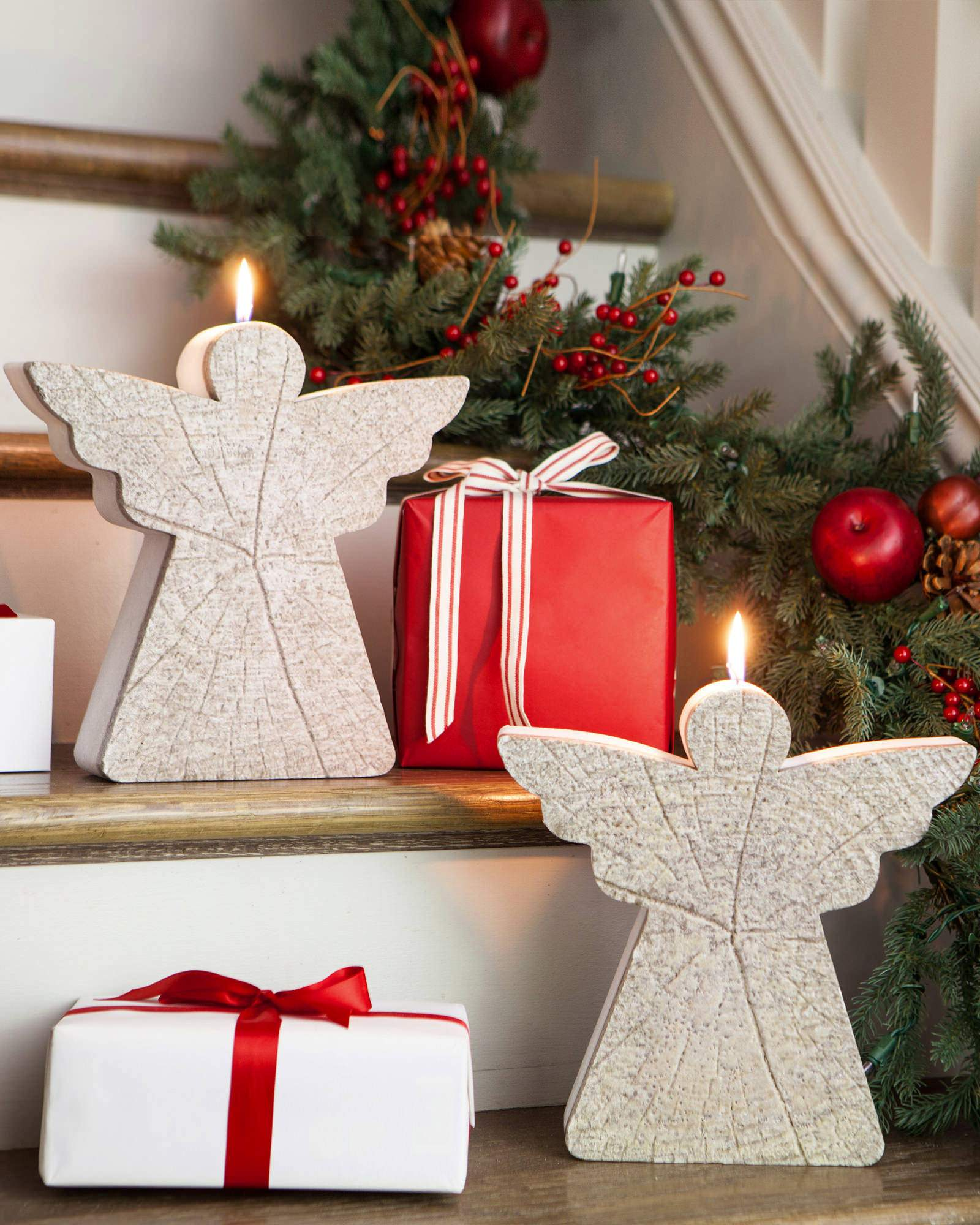 30 Adorable Christmas Candle Decoration Ideas