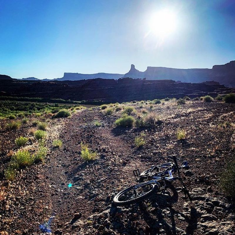 Spring is here, time for desert adventures! #AVALON7 #SeekTheStoke #mtnbiking
