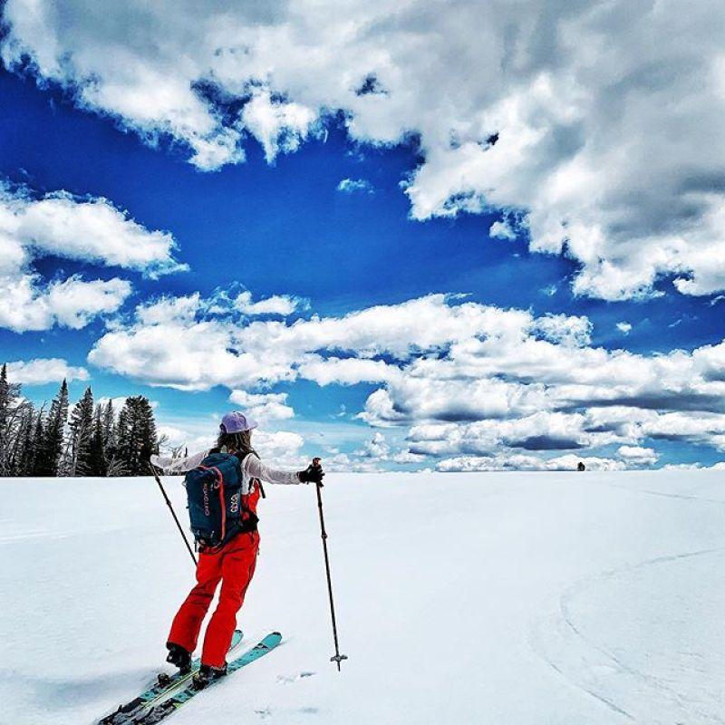 Find the edge, then go past it.  #AVALON7 #seekthestoke ##skiing