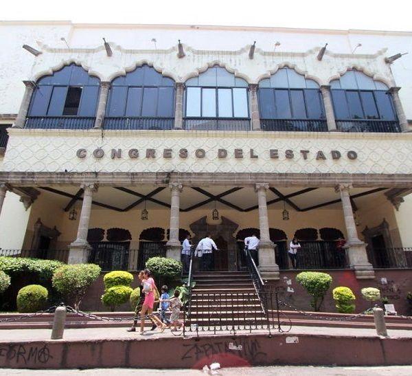 coordinador del Grupo Parlamentario del PAN, Víctor Manuel Caballero Solano