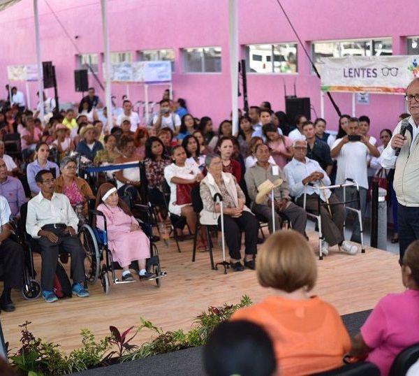 el mayor reconocimiento de la población son el Ejército Mexicano y el Sistema DIF Morelos