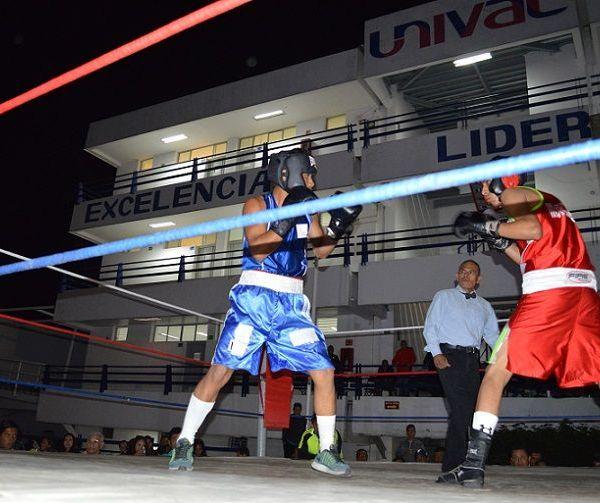Andrés Andrade terminó por superar al pugilista morelense Walter Hernández