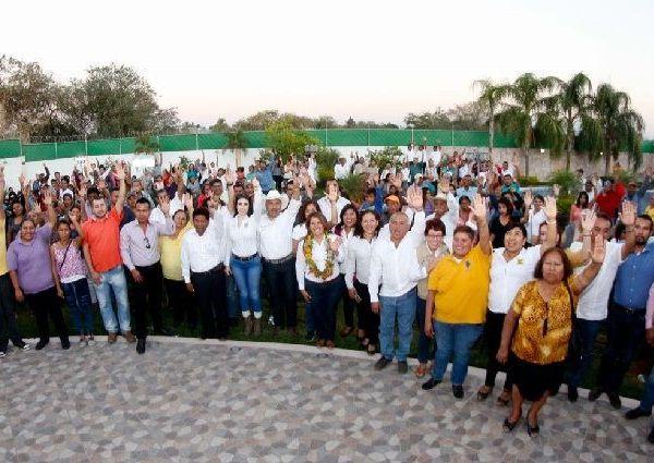 La dirigente estatal del Partido de la Revolución Democrática, Hortencia Figueroa Peralta
