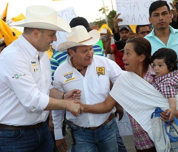 la dirigente estatal, Hortencia Figueroa Peralta, a Asambleas Informativas con militantes de los municipios de Atlatlahucan y Yecapixtla