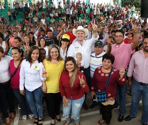 Asambleas Informativas con perredistas de los municipios de Emiliano Zapata y Xochitepec, en donde afirmó que para él no existe ninguna contienda por el poder Ejecutivo ni mucho menos una pelea para vencer a otros candidatos