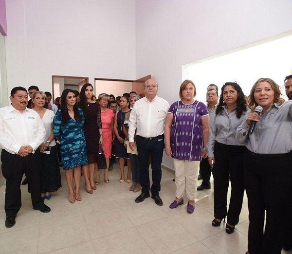 anunció la construcción de la Ciudad Salud Mujer, que dará atención médica integral a las morelenses de esta región y el que se prevé invertir 132 millones de pesos; y la apertura de Centro de Capacitación para el Trabajo del ICATMOR exclusivo para las mujeres