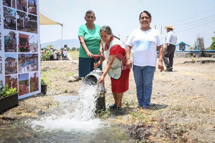 Ramiro Silvestre, de la Unidad de Riego del Pozo 04, informó que el pasado cuatro de enero fue declarada la recuperación del acuífero, gracias a la colocación de más de 94 kilómetros de tubería para 34 pozos y la rehabilitación y modernización de equipos de bombeo de 51 pozos. Se liberó aproximadamente medio millón de litros anuales