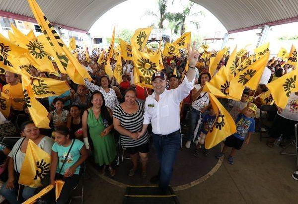 El candidato del PRD a gobernador de Morelos, Rodrigo Gayosso Cepeda, se comprometió a aumentar el apoyo económico a las Empresas de la Mujer Morelense, para duplicar el número de jefas de familias beneficiadas con este programa social