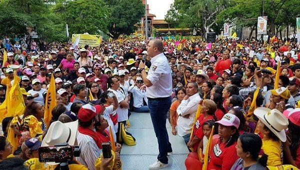 """""""Por nuestros hijos y por nuestras hijas es que salimos todos los días a luchar a la calle y por eso quiero decirles que todos los días vamos a trabajar los candidatos y las candidatas del PRD y del PSD para luchar por la seguridad del Estado de Morelos"""", afirmó"""