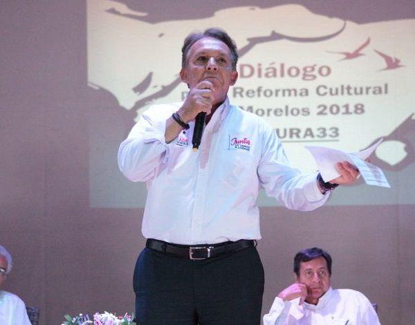 Al participar en el Dialogo por la Reforma Cultural en Morelos 2018, convocado por la organización Cultura 33, lamentó que la cultura en la entidad se haya reducido a grandes conciertos elitistas, que desdeñan la cultura popular y la identidad de los morelenses