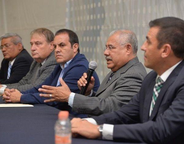 Indicó que, como lo anunció Alfonso Durazo, próximo secretario de Seguridad del Gobierno Federal, la Marina Armada de México y el Ejercito continuarán labores de seguridad, y prueba de ello es que él y otros militares estará en Morelos encabezando la próxima SSP, que sustituye a la Comisión Estatal de Seguridad