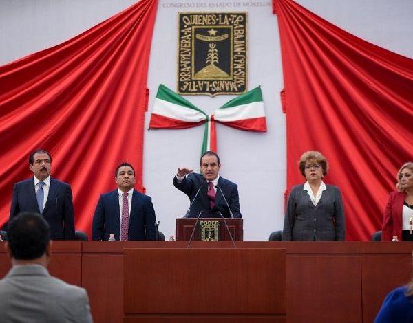acudieron en representación del presidente Enrique Peña Nieto, el secretario de Desarrollo Social, Eviel Pérez Magaña, y Andrés Manuel López Obrador, la Ministra Olga Sánchez Cordero, próxima secretaria de Gobernación