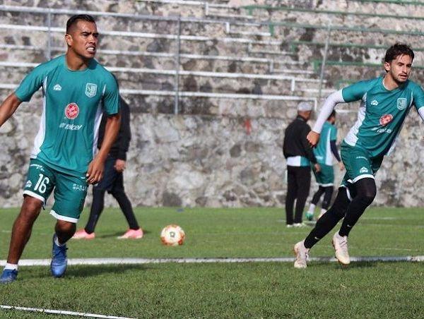 Rodolfo Salinas, originario de Gómez Palacio, Durango, jugó el torneo anterior con los Toros de Celaya; antes pasó por las filas del Atlas, aunque fue en Santos Laguna donde consiguió 2 títulos de Liga MX. Su carrera la inició en las fuerzas básicas de San Luis, equipo que le dio oportunidad en el profesionalismo