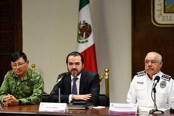la reunión diaria la Mesa de Coordinación para la Seguridad y la Paz y ante la ausencia delgobernador Cuauhtémoc Blanco Bravo, el jefe de la Gubernatura, José Manuel Sanz, y el delegado para los Programas Integrales de Bienestar Social, Eric Flores Cervantes